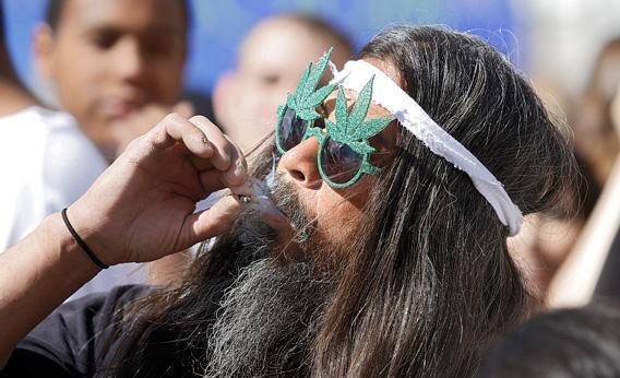 5 powodów dlaczego marihuana jest dobra dla starszych ludzi, CBDLeczy.pl