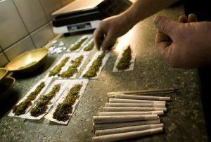 zwijamy-idealne-jointy-marihuana-trawka