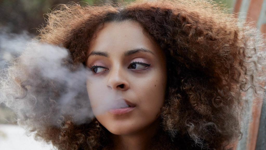 Coraz więcej Francuzów przyznaje się do stosowania cannabis, CBDLeczy.pl