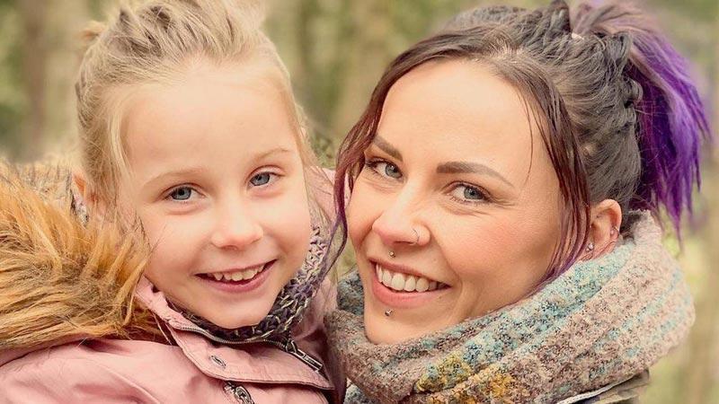 Wydała 34 Tysiące Funtów by Utrzymać Córkę przy Życiu, CBDLeczy.pl